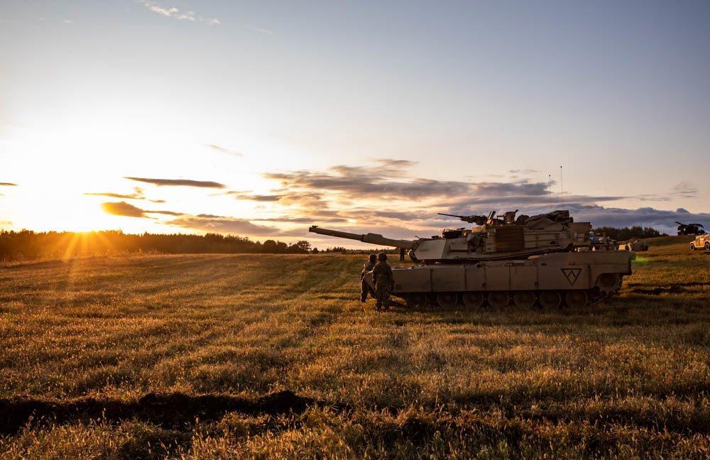 Even our tanks enjoy a beautiful sunrise. Photo by Sgt. Timothy Massey, @TNMilitaryDept #SunRiseSunday
