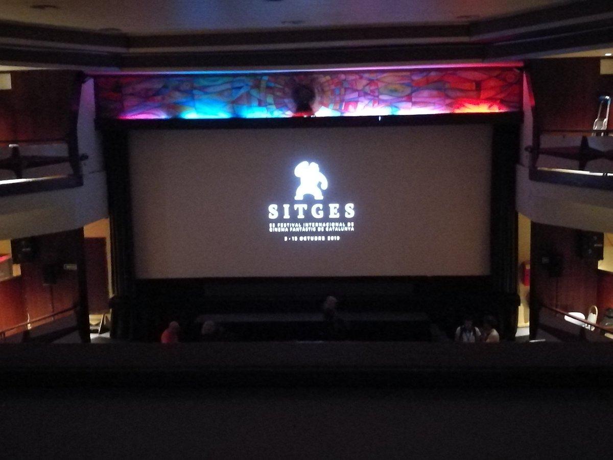 """A punt de començar """"Bodies at rest"""" al Cinema @ElRetiroSitges"""