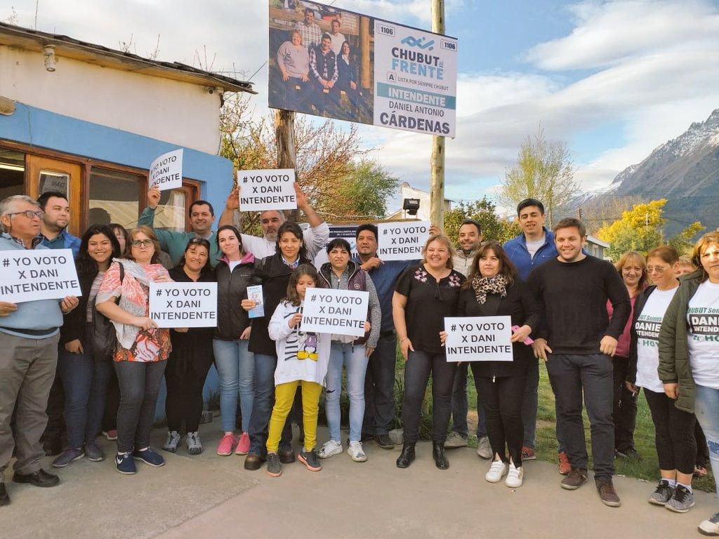 Junto a la Diputada @CHECHU0405, acompañamos a Daniel Cárdenas y su equipo en la reunión con vecinos de #ElHoyo, de cara al próximo 27 de octubre 👏✌️💪 https://t.co/qChoMg104u