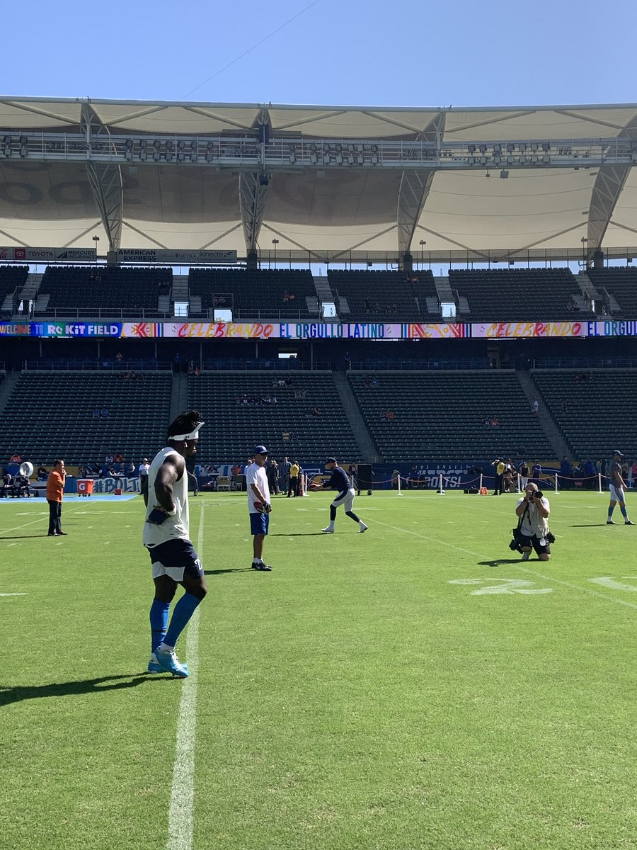 Melvin Gordon will play today for first time this season. Told snaps will be limited as he gets his conditioning back. @NFLonCBS @Chargers