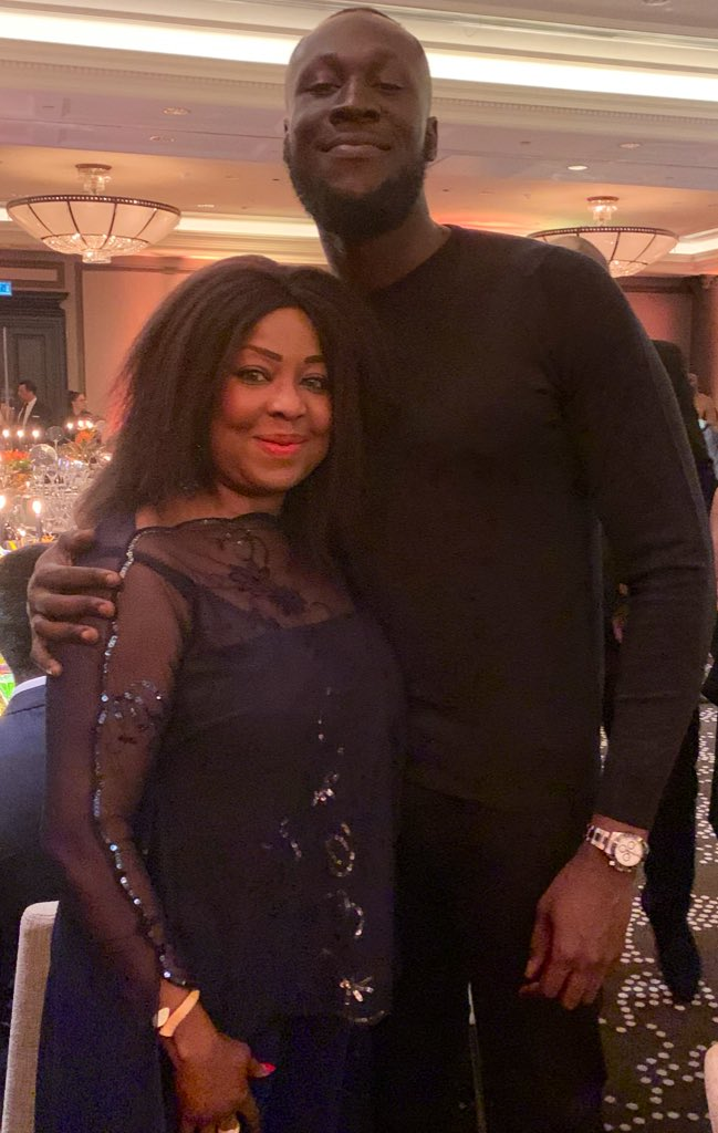 """.#BoAAwards are attended by leading figures of African diaspora. @stormzy I was🙂to meet you & your family. I was """"blinded by your grace"""" & ❤️ what you are doing to help young people with their education #StormzyScholarship. Peng initiative 👏🏿. Bigups fam! #fangirl of @stormzy😇"""