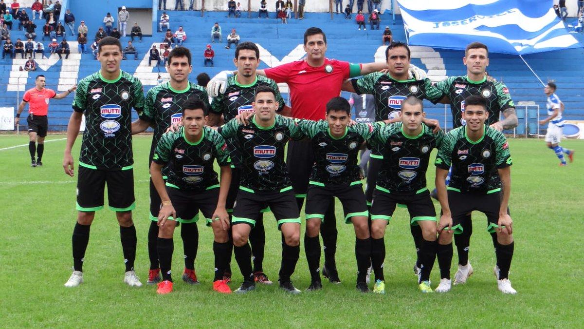 15' del segundo tiempo y sigue el empate ante el equipo norteño. Primer cambio en el equipo Albiverde. Entró Claudio Correa en el cuadro ñuense. #VAMOSXTODORÑ 📷Gentileza (Derechos Adquiridos)