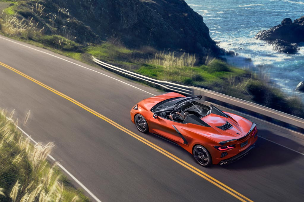 #LoMejorDeLaSemana Chevrolet Corvette Stingray será el primer descapotable de la firma en incluir una versión con techo rígido https://t.co/RFiQhiWR0k https://t.co/kPgrZtIjZy