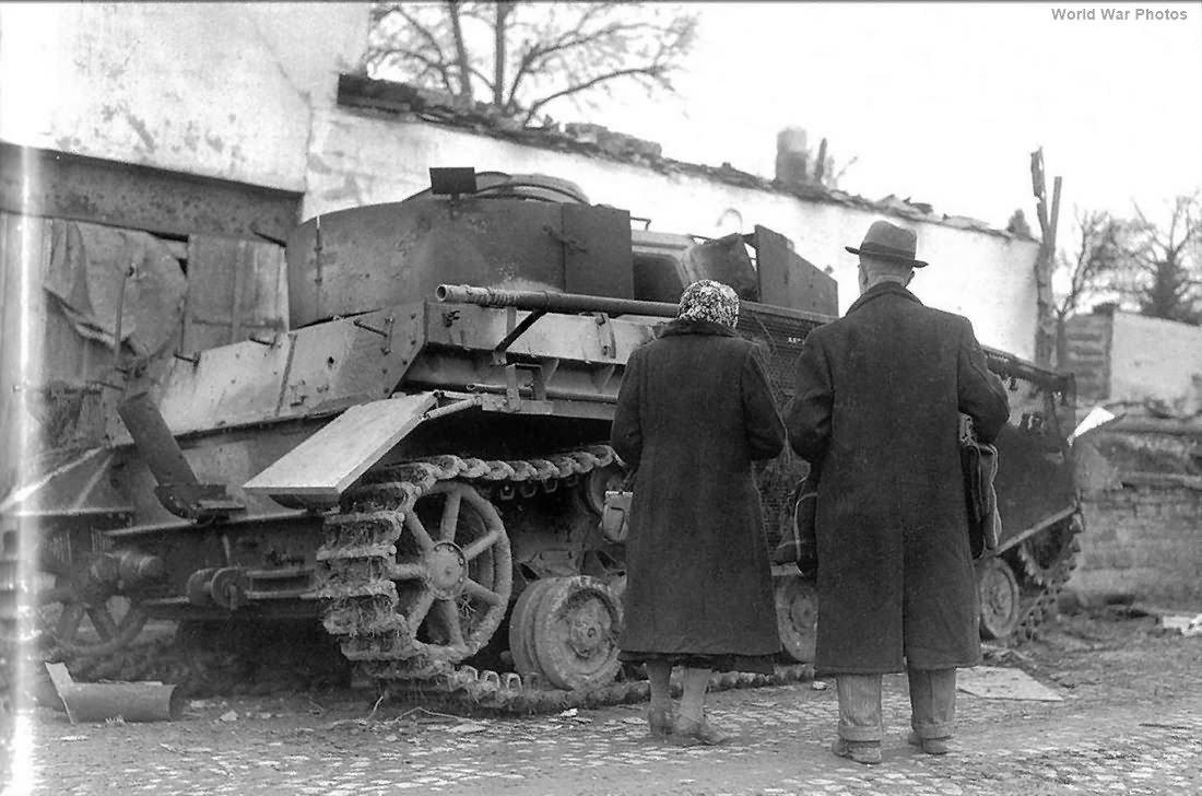 Ryefield 5033 Pz.Kpfw.IV Ausf.J Late Production Pz.Beob.Wg.IV Ausf.J Model 2in1