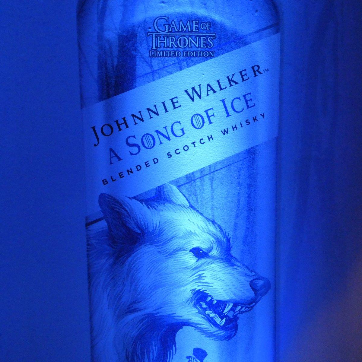 Johnnie Walker  Game of Thrones   A Song of Ice & A Song of Fire  #JWSongOfIce #JWSongOfFire #Scotch #Whisky @GameOfThrones #GameofThrones #HouseOfWalker #KeepWalking @JohnnieWalkerUS @Diageo_NA @NY_Comic_Con @comicconnyc<br>http://pic.twitter.com/l2mxlNuLKq