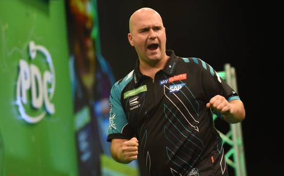 I treated myself to a JCB! - Ex-world champion Rob Cross on lifestyle change after becoming darting millionaire ow.ly/wdmT50wEW49 @RealKevinPalmer @RobCross180