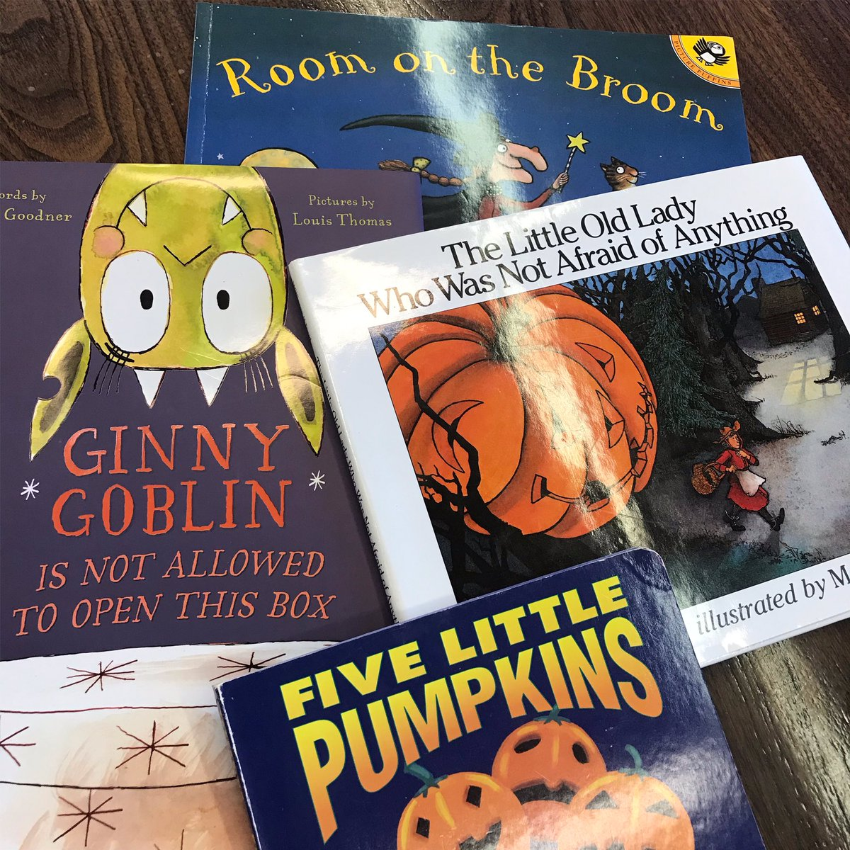 Starting my PK-5 classroom Read-a-Loud tour for October! #Halloween #FallYall #Reading 🍁👻🎃