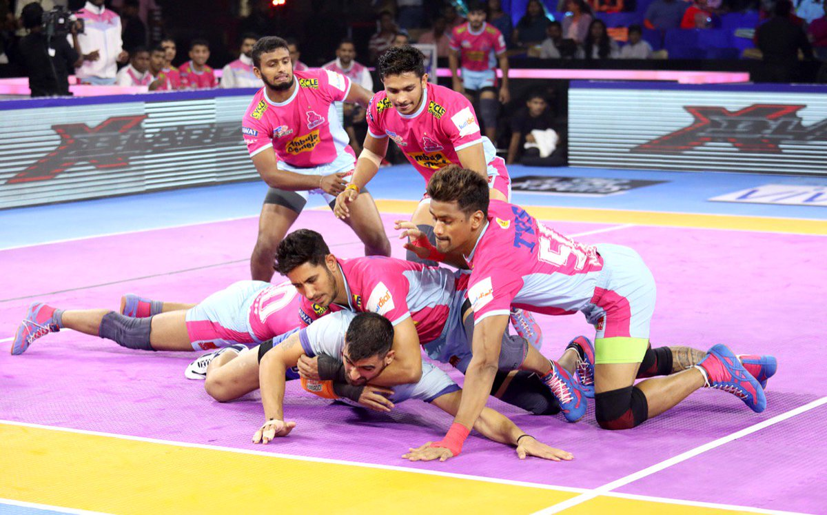 FT: #JAI 33 - 35 #CHE   A close loss in the end as the #PantherSquad fall short by two points. Congratulations @tamilthalaivas on the win!  #RoarForPanthers #TopCats  #JaiHanuman #CHEvJAI #IsseToughKuchNahi #VIVOProKabaddi