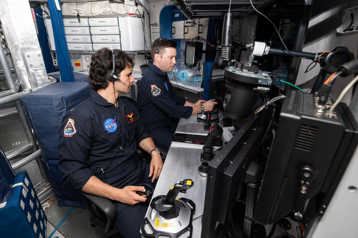 """45 days in a dorm-sized habitat with 3 people youve only known for 2 weeks? For the HERA crew, it was fun & it helps NASA study isolation & confinement. With this crew, it has been a fantastic experience for me,"""" said crewmember Asadi. Read more here: go.usa.gov/xVsFJ"""