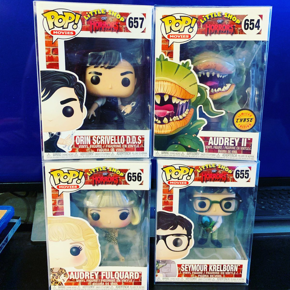Ha! Total coincidence that 3 of these #LittleShopOfHorrors #FunkoPops showed up at my doorstep just as the incredible new production continues at @PasPlayhouse! Read my @BroadwayWorld review by clicking on the 🌐 link in my bio! #musical #funko #funatic #broadway #littleshopPPH