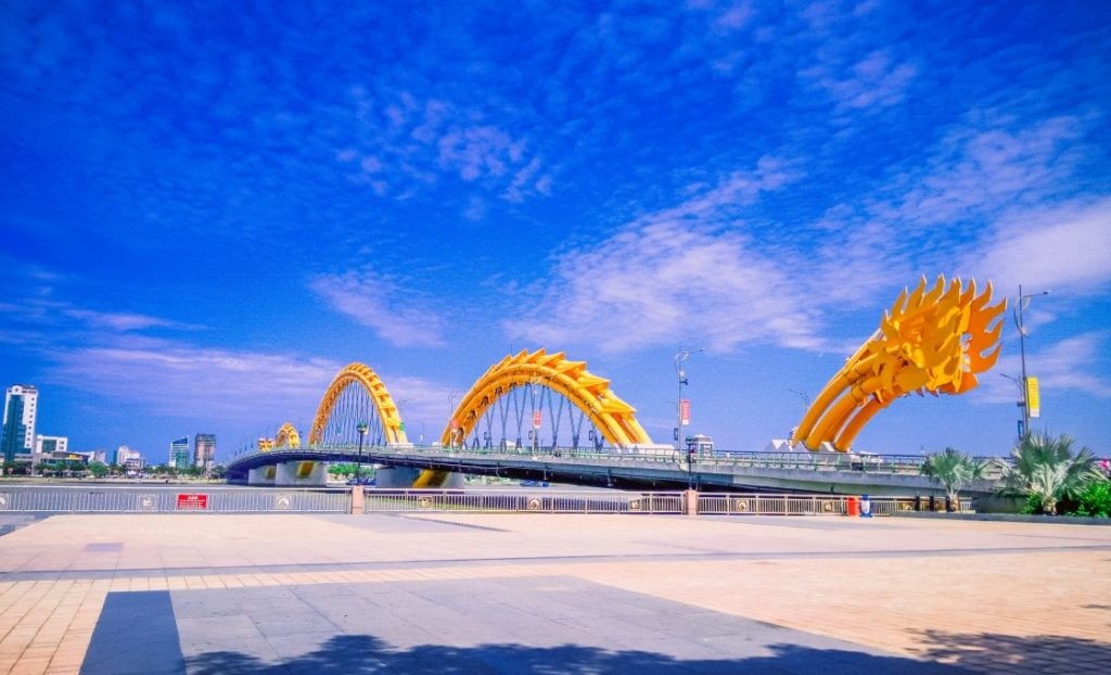 How long does it take from Hoi An to Da Nang? What is prominent in Danang? Transportation by what means? https://privatecartransferhoian.com/tour/private-car-transfer-hoi-an-danang-city/… #Transportation #DanangCity #Danangprivatecarpic.twitter.com/xVPfIQsW1C