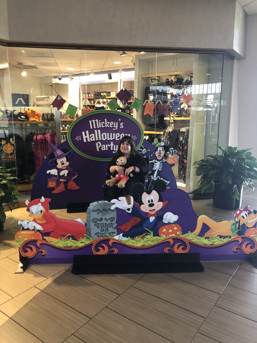 Happy   Halloween month to everyone from me and Duffy 🧸🎃 🧸 doesn't forget have fun if  you are going Mickey not so scary Halloween party this year @WaltDisneyWorld #mickeymouse #duffythedisneybear #Halloween