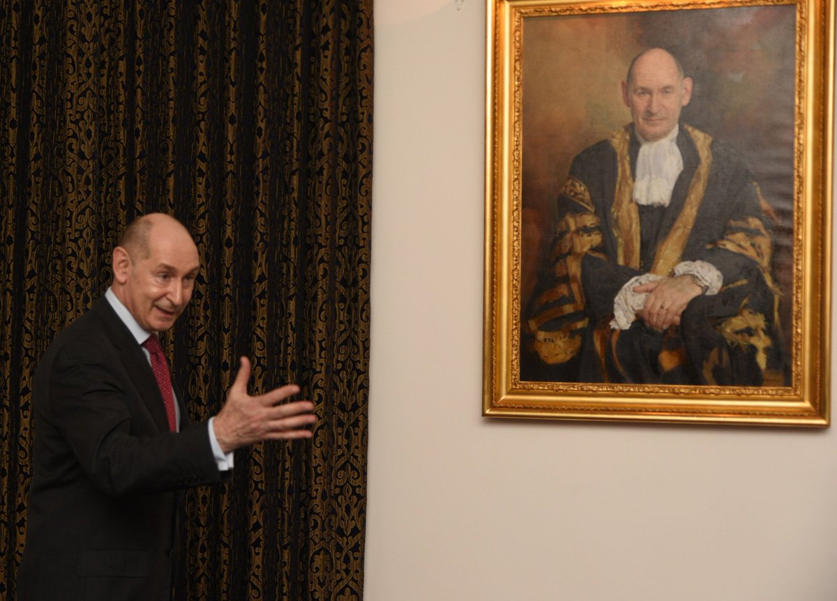 A fine new portrait of Sir Terence Etherton was commissioned by @HonSocGraysInn to mark his appointment as Master of the Rolls. It was unveiled at the inn last night. Also there was the artist, Keith Breeden RP. Photographs by Christopher Russell.