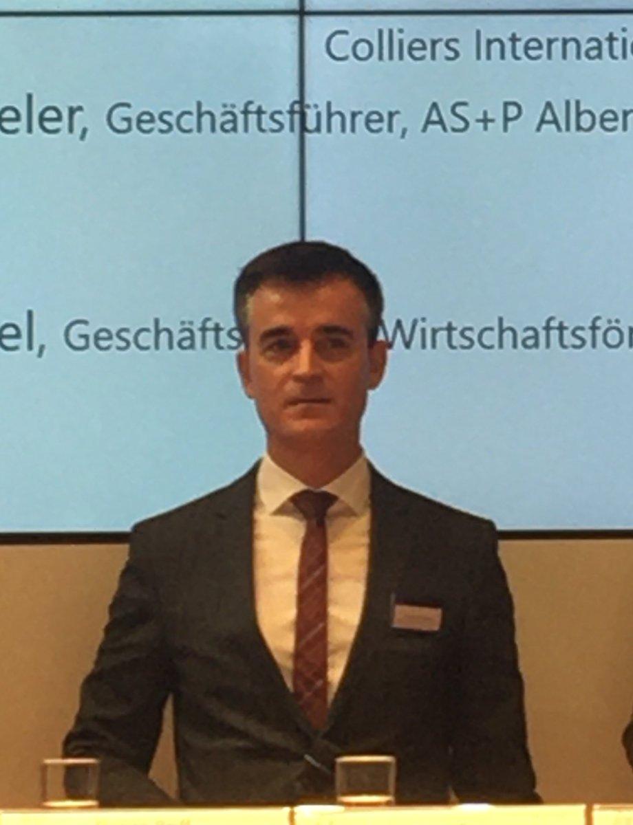 RT @Konii_de: Wolfgang Speer von @ColliersGermany stellt auf dem @WifoeFfm-Panel zu #CoWorking fest, dass die großen Anbieter auf A-Lagen fokussiert sind. Nur die Pioniere und mutigen Anbieter wie @sleevesupspaces trauen sich an den Stadtrand und in B-Lagen.<br></noscript>#EXPOREAL2019 #exporeal t.co/ZUXLVQU3oA