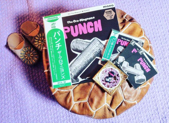 ザ・クロマニヨンズの13枚目のニューアルバム「PUNCH」を