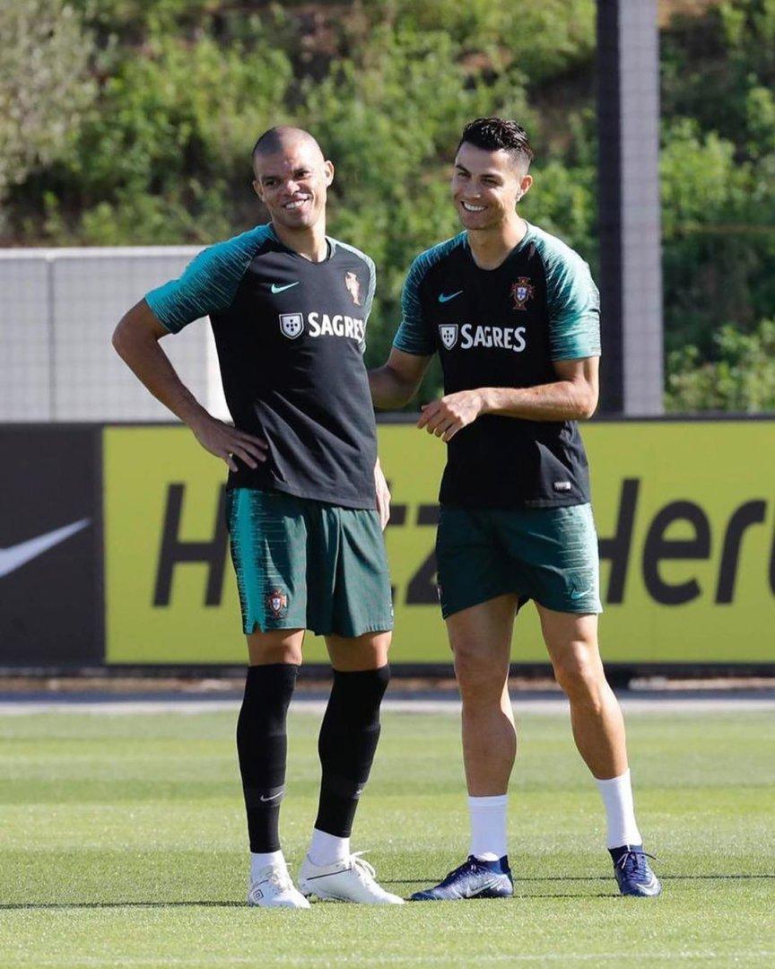 É sempre uma grande felicidade estar de volta ao meu país, representar a seleção nacional e rever amigos de tantas batalhas. Todos juntos, lutaremos uma vez mais para erguer bem alto o nome de Portugal! Vamos equipa! 💪🏼 🇵🇹