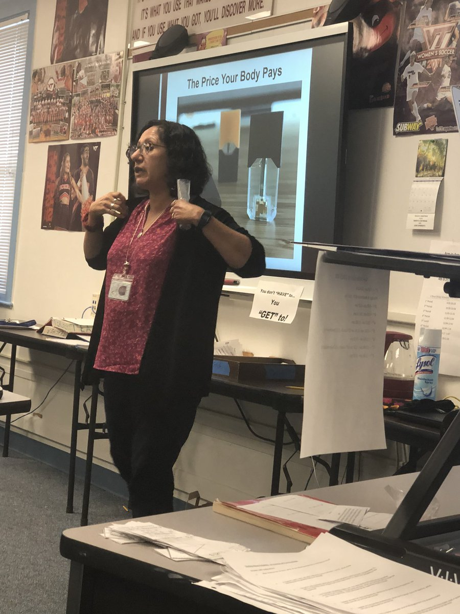 Adulting class with Dr. Mila discussing the price your body pays when vaping <a target='_blank' href='http://twitter.com/APSVirginia'>@APSVirginia</a> <a target='_blank' href='https://t.co/ek5k4qQlkB'>https://t.co/ek5k4qQlkB</a>