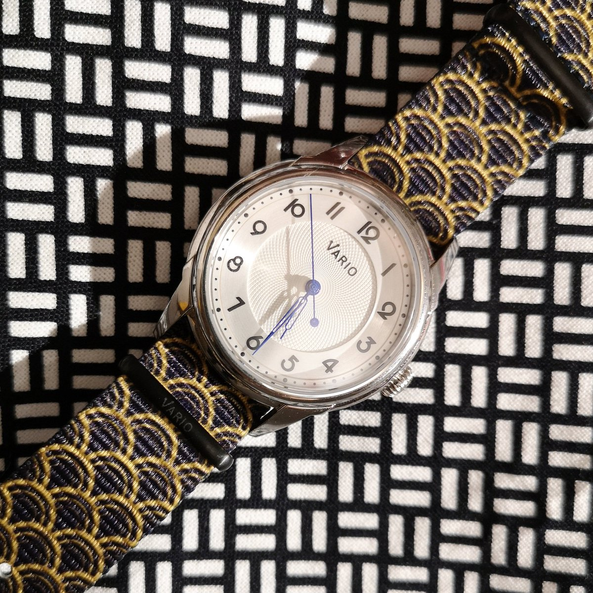 I'll also be reviewing some cool straps @varioeveryday offers.⌚  VARIOのストラップも近々レビュー予定です。   #watchesofinstagram #watchoftheday #varioeveryday #NATOstrap #strap #seigaiha  #時計好き #手元倶楽部 #ストラップ #青海波 #ファッション