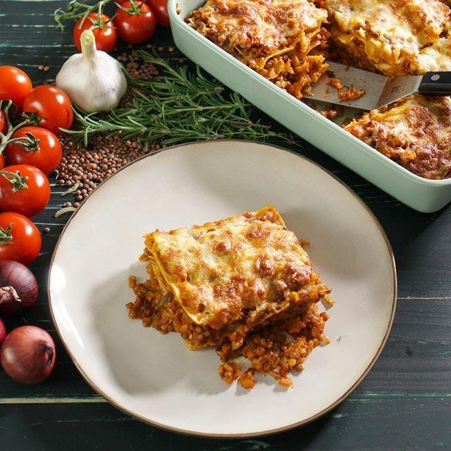 Dass eine vegetarische Lasagne besser schmecken kann als eine mit Fleisch, beweist unsere leckere Body Kitchen Linsen-Lasagne 😍😍😍. Kommentiert mit #bodykitchenrezepte und überzeugt euch selbst 🌟🌟🌟. Das Rezept bekommt ihr exklusiv vor allen andere… https://t.co/Z40D4PEkOu https://t.co/Dh3AE5MctD