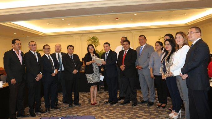 TSE presenta al Congreso iniciativa de reformas electorales
