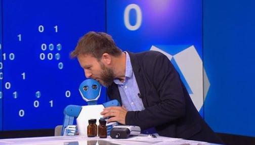 Le robot Enki de la #startup @ConscienceRobot sur @FRANCE24 pour un reportage sur les humanoïdes. ▶️A découvrir ici : https://t.co/HPQPv3ADec…