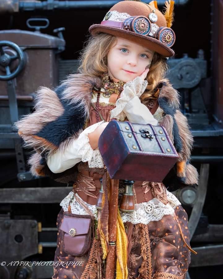 Anno 1900 / photo @atypikphoto  #steampunk #steampunkart #steampunkstyle #photography #fashion #france #steampunkfrance #steampunkfrancophone #frenchsteampunk