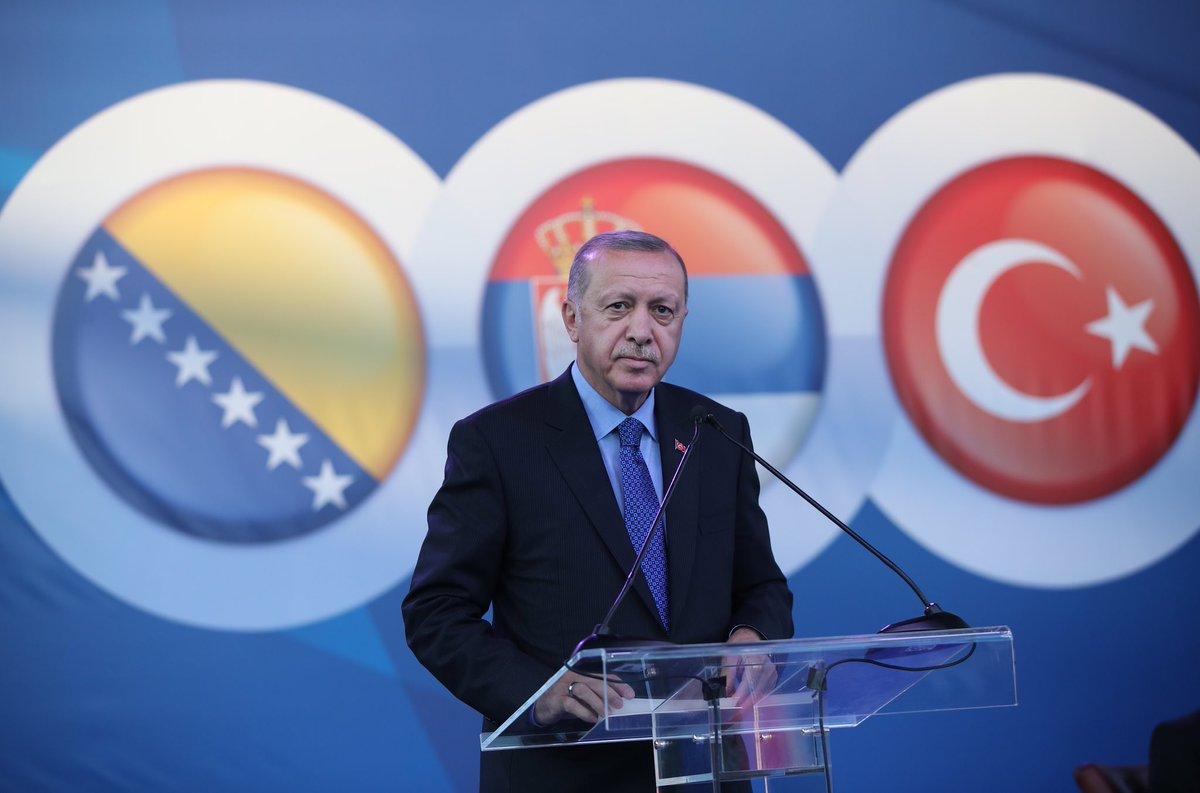 Cumhurbaşkanı @RTErdogan, Sırbistan'da toplu açılış ve temel atma törenine katıldı tccb.gov.tr/haberler/410/1…