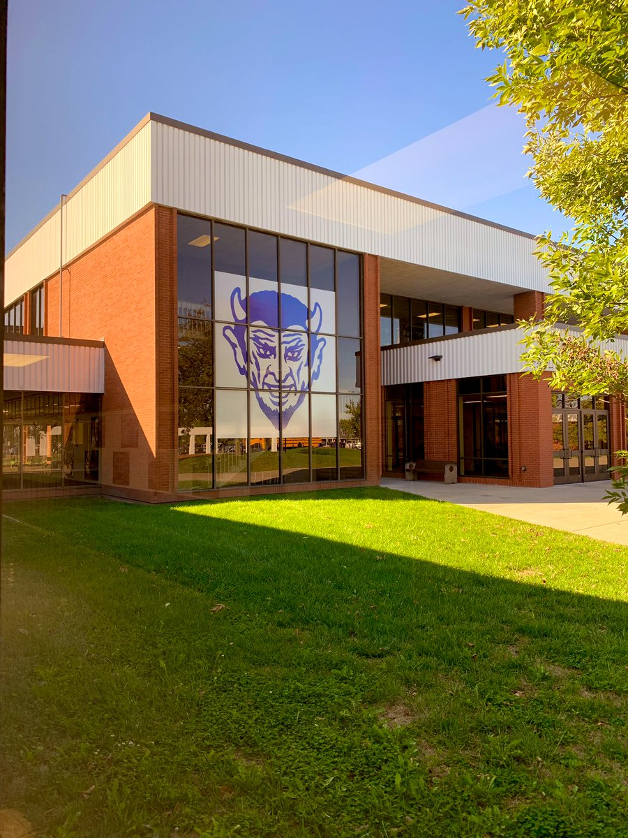 QHS Stufent Council hooked the school up!!  Nice to see more Blue Devil heads around the school!  Thank you. #BlueDevilPride <br>http://pic.twitter.com/peD1qH0vKq