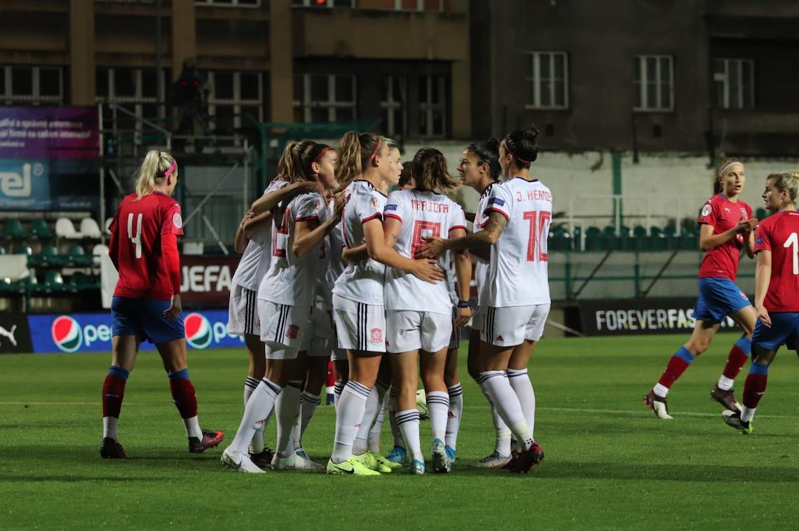 Imagen: Rep Checa-España. Imagen vía: Twitter oficial de la Selección Española Femenina