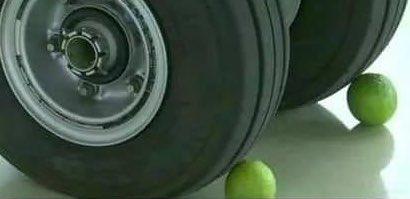 انڈین حکومت نے ملک کی حفاظت کیلۓ رافائیل طیارے خریدے لئے اور پھر ان رافائیل طیاروں کی حفاظت کیلۓ لیموں خریدیں اور ٹائروں کے آگے رکھ دیئے۔