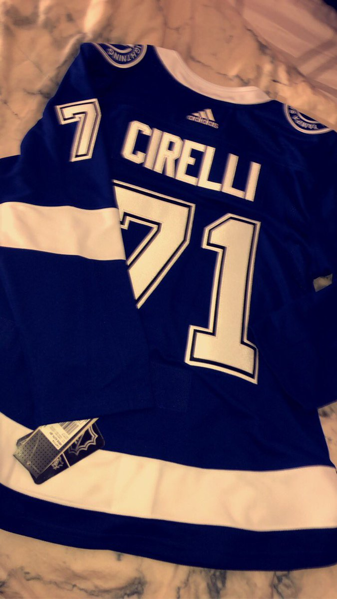 Replying to @_kyfree: it's perfect & i love it!! best contest win ever !! 🤪 #gobolts @HockeyCentraI