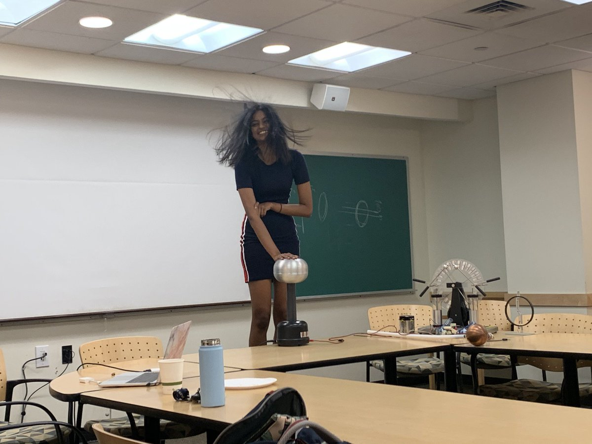 Last week's demos were electrifying! We hope to see you this Thursday(10/10) at 6:30PM (note the different time) in SCI 352 for a special talk by Professor Manher Jariwala! https://t.co/WyB5uu8N23