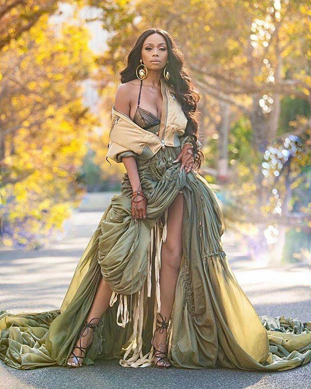 Just a regular #OOTD for SA media IT-girl @bonang_m .  Credits: Style Director: @stylistjbolin  Hair: @kingofhair  Makeup: @iamshonsimon  Photographer: @markiswhoiam  #ComingSoon https://ift.tt/2BiXZrYpic.twitter.com/R56wTueBbW