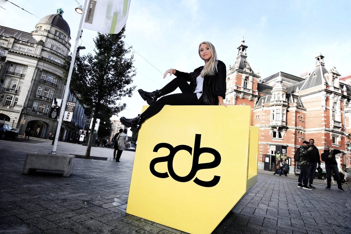 In Love with Amsterdam   Can't wait to see you later at the @technostateinc Showcase | @hertz Techno Café Rembrandt Square  [8-9 PM]  #amsterdamdancevent #ade #ade2019 #techno #studio #technodj #technodjane pic.twitter.com/DafSw09XoX