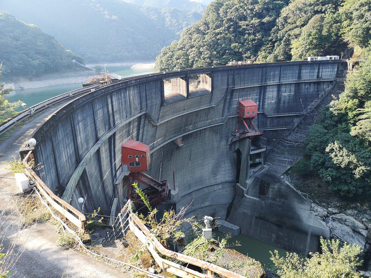 """いちろく on Twitter: """"念願の綾北ダムへ。 特徴ある2門のラジアル ..."""