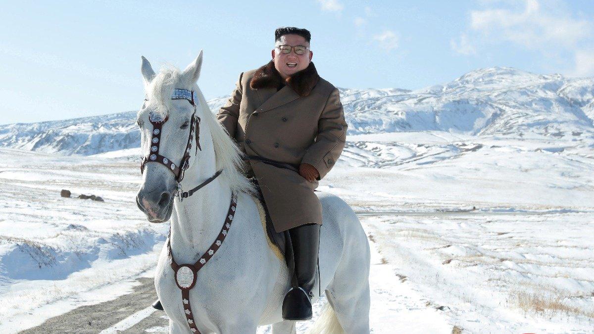 Kim Jong Un rides horse ahead of 'great operation' https://reut.rs/2BhvkmU