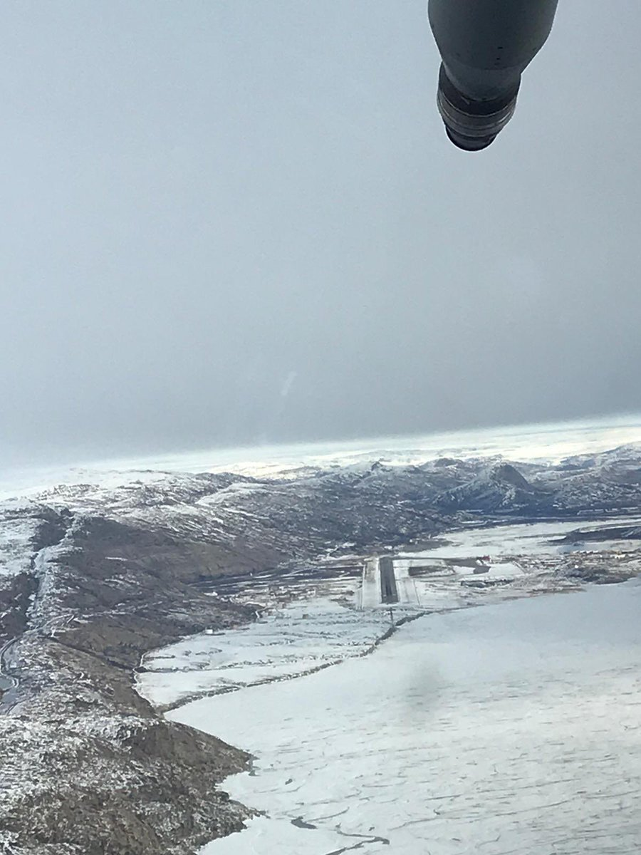 Aweosme picture from @deaks203 of the approach into Kangerlussaq Greenland for ZM416 returning with the @rafredarrows from #redarrowstour #A400M #aviationphotography #aviationdaily #Military #Airbus #Visitgreenland https://t.co/HIyAQkZdZ9