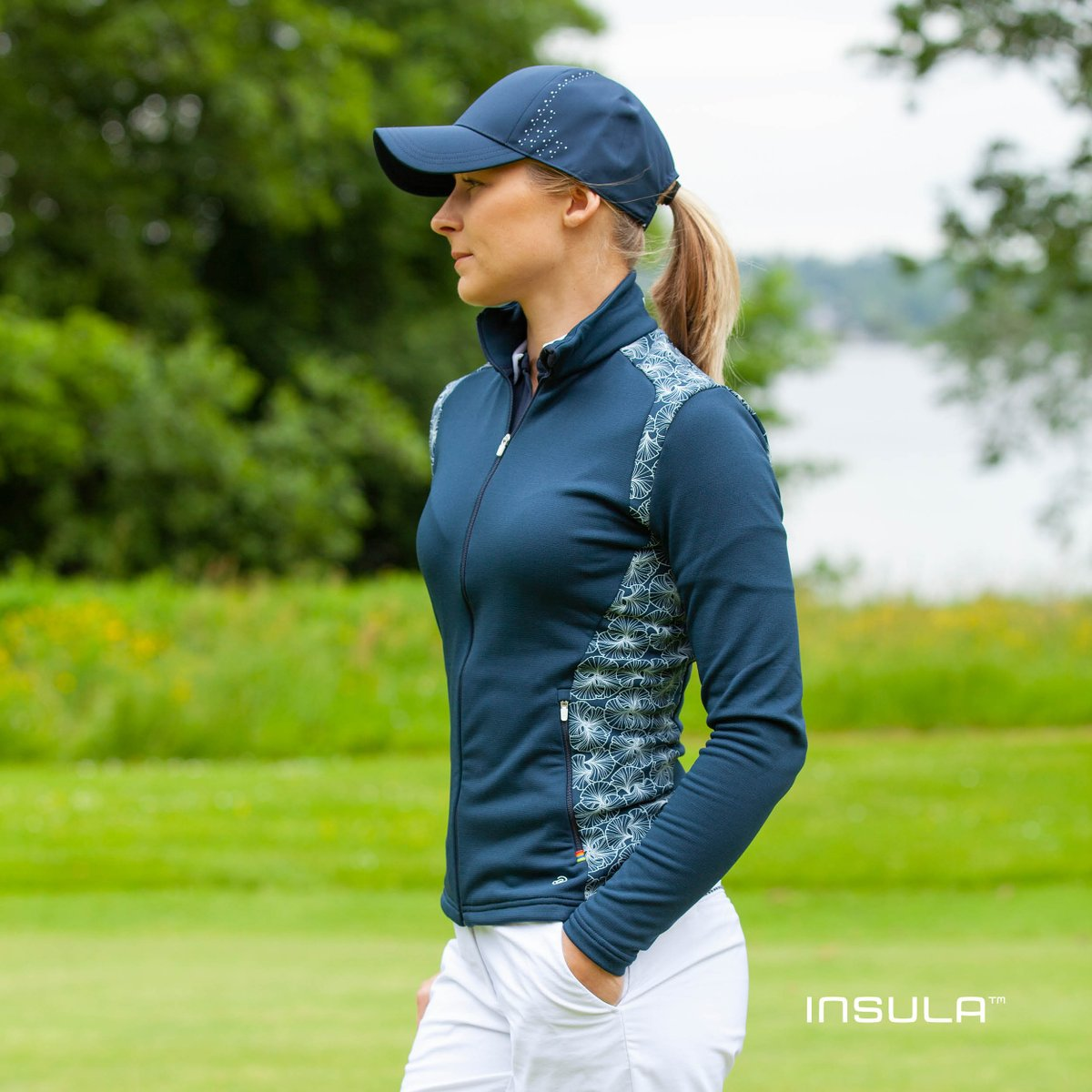 DISCOVER DOROTHY 🔍 ✅ Thermal regulation ✅ Extremely stretchy ✅ Maximum breathability For more information on our INSULA™ range, please visit your local stockist or visit galvingreen.com #galvingreen