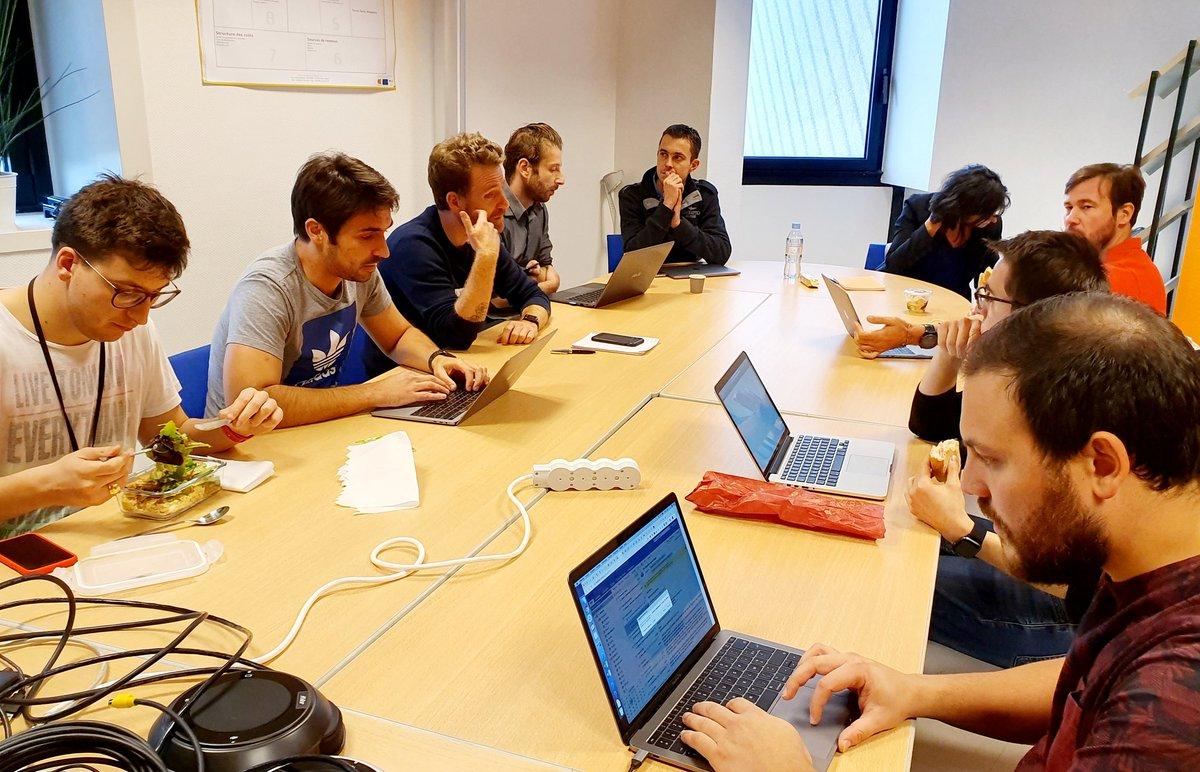 Atelier @semrush ce midi avec les porteurs de projets. SEO, SMM, PPC et RP https://t.co/9ZS2FnLn8A