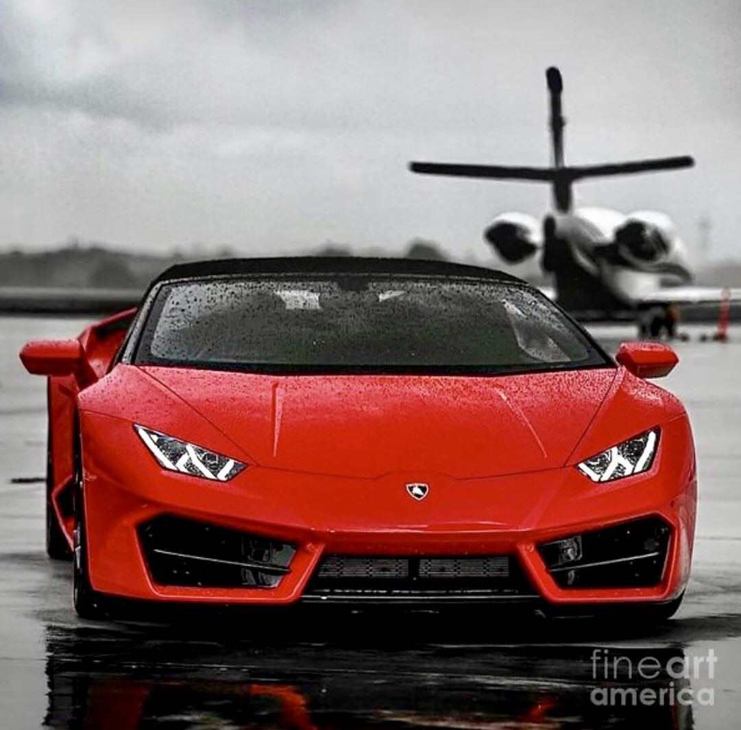 """""""Rain Delay"""" 📸 #EBCo   #lamborghini #lamborghinistyle #lamborghiniclub #privatejet #privatelife #privateaviation #planespotting #planespotter #mia #aviation #supercar #supercarlifestyle #photoshoot #photoshootday #potd  Copyright © #EliteBrandsCo 👀"""