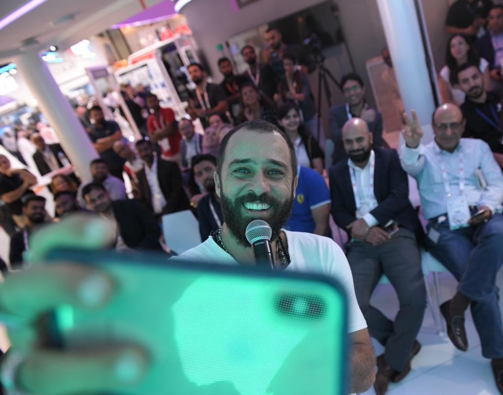 Our #GITEX2019 visitors enjoyed putting their tech knowledge to the test with @HassanAlsheikh 🤩 Don't worry if you missed it, we're sharing the fun with the full video soon. #Experience5G