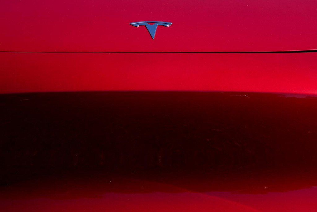 Consumer Reports calls Tesla automated parking 'glitchy' https://www.reuters.com/article/us-tesla-safety-consumer-reports-idUSKBN1WO21P?utm_campaign=trueAnthem%3A+Trending+Content&utm_content=5d9e0ec5de67360001fe25a4&utm_medium=trueAnthem&utm_source=twitter…