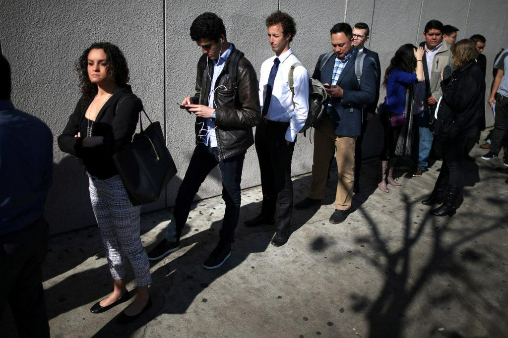 U.S. job openings drop to 1-1/2-year low; hiring falls https://www.reuters.com/article/us-usa-economy-vacancies-idUSKBN1WO1VN?utm_campaign=trueAnthem%3A+Trending+Content&utm_content=5d9e1106165af60001532f55&utm_medium=trueAnthem&utm_source=twitter …