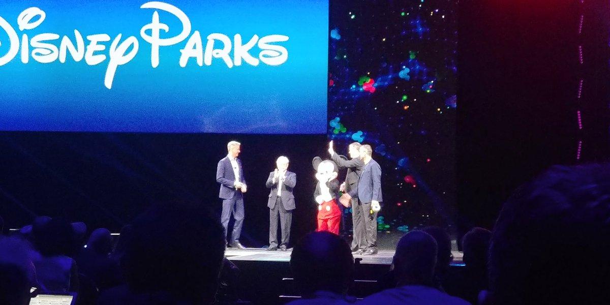 Hitachi and Disney! #Hitachinext #disneyparks  <br>http://pic.twitter.com/Aamd1AxYEJ