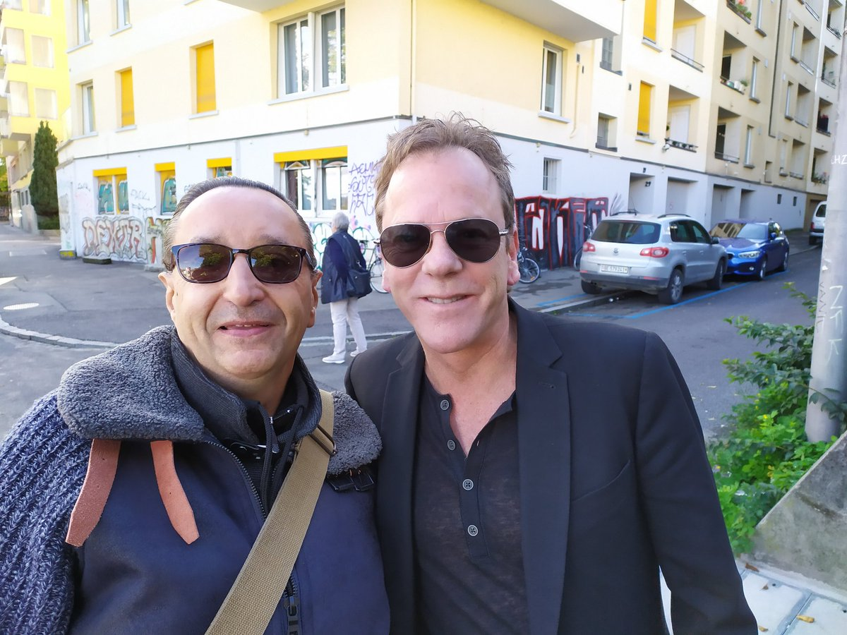 @RealKiefer im so happy to have Seen you again in Berne ! Thank you for everything Kiefer ! And i Hope in Paris !