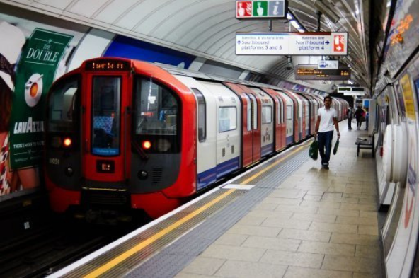 .@RMTunion suspends Tube industrial action due to start at midnight as union secures major victory over track noise bit.ly/3134MQK