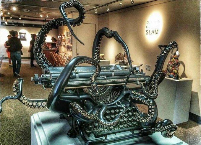 #cosasbonitasquemegustan #steampunk by artist Courtney Brown