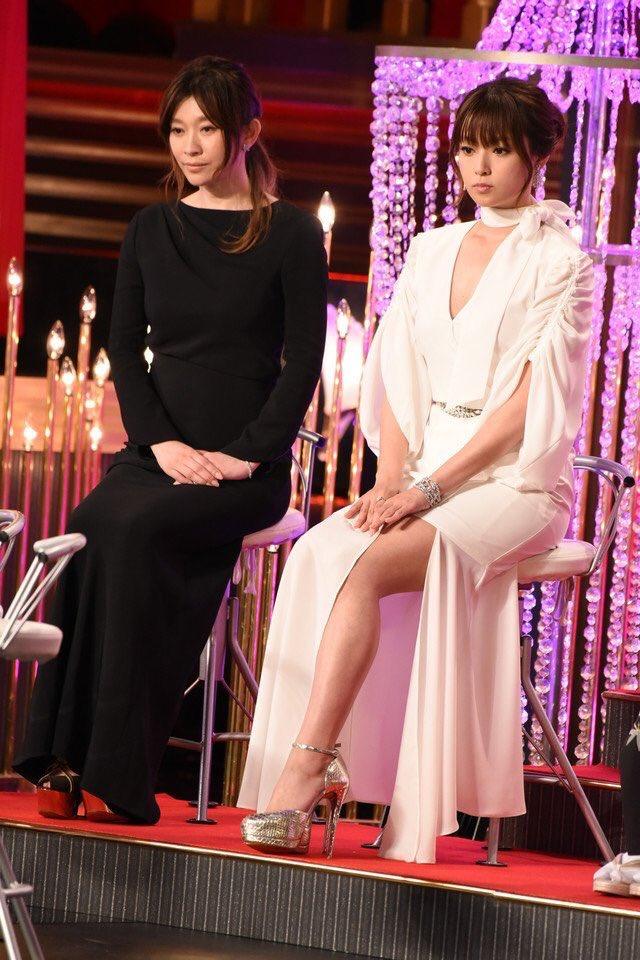 深田恭子橋本環奈石原さとみ広瀬すず、日本を代表する女優の骨格ストレート率の高さよ…骨格ストレート民は今流行のロングスカートや緩いワンピは太って見えるので、とにかく体のラインが分かるメリハリのある服を着て欲しい。骨格ストレート民は、服装によってマジデブに見えるから要注意。特に二の腕