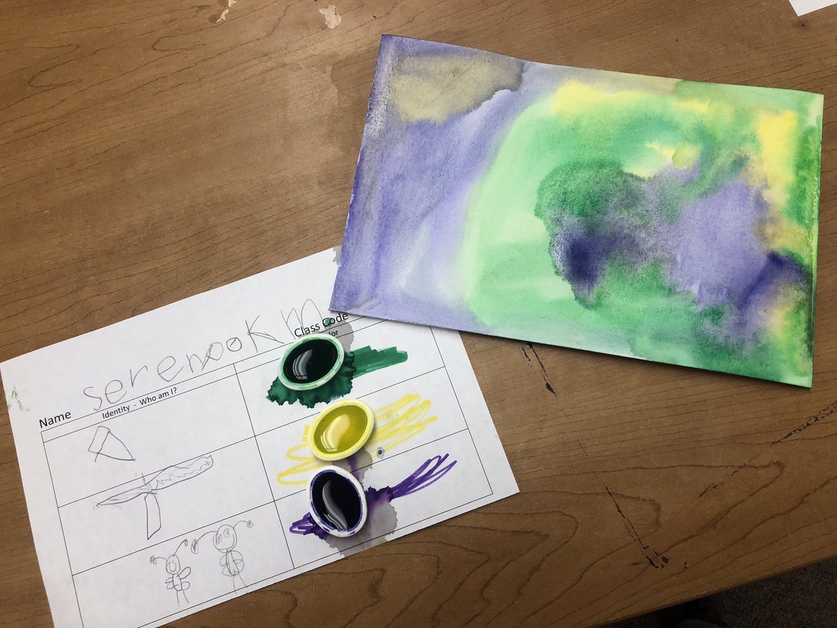 In Kindergarten we show aspects of our identity using drawings/ words and colors. <a target='_blank' href='http://search.twitter.com/search?q=WeAreAllOakridge'><a target='_blank' href='https://twitter.com/hashtag/WeAreAllOakridge?src=hash'>#WeAreAllOakridge</a></a> <a target='_blank' href='http://twitter.com/OakridgeConnect'>@OakridgeConnect</a> <a target='_blank' href='http://search.twitter.com/search?q=APSIsAwesome'><a target='_blank' href='https://twitter.com/hashtag/APSIsAwesome?src=hash'>#APSIsAwesome</a></a> <a target='_blank' href='https://t.co/S5RN81jHOT'>https://t.co/S5RN81jHOT</a>