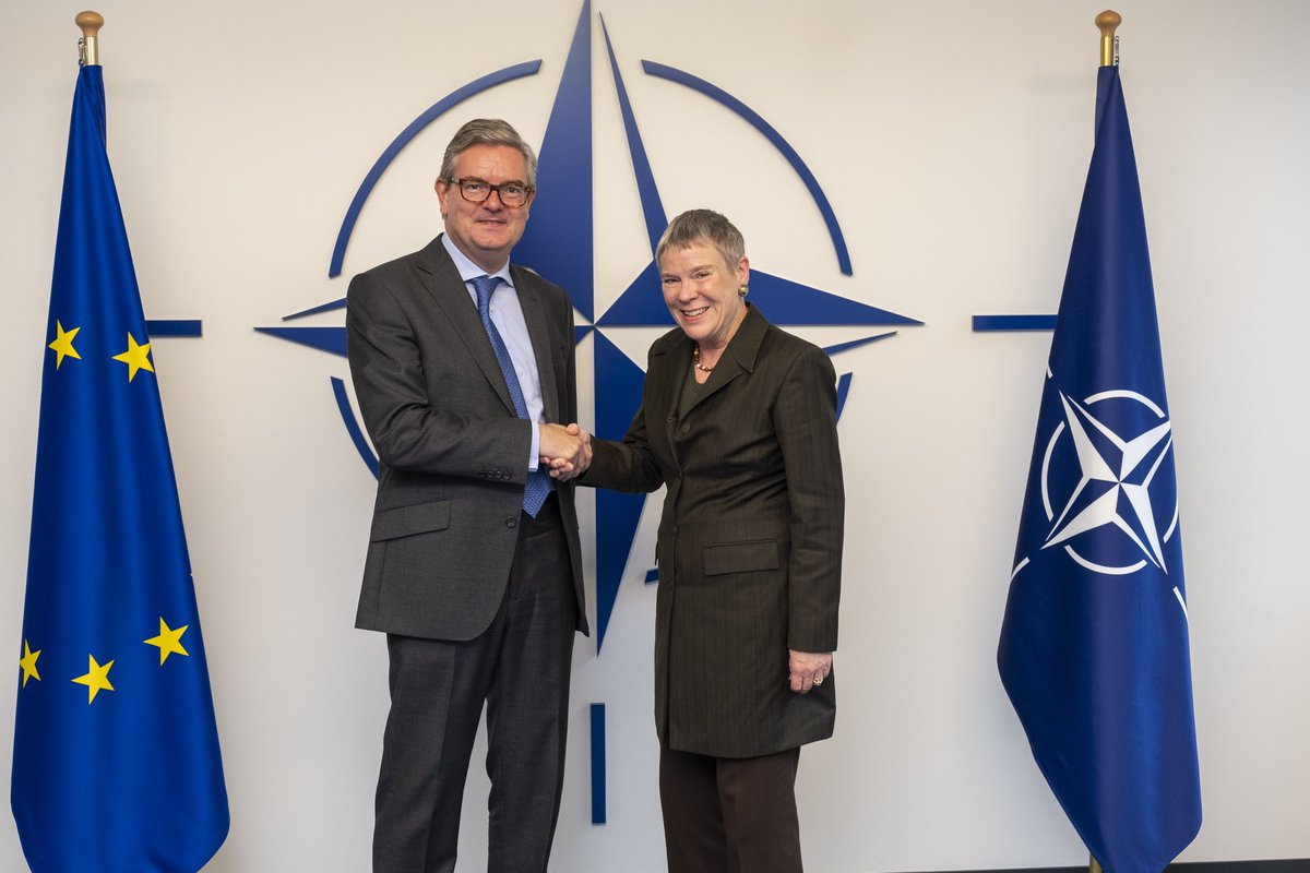 A pleasure to meet with @JKingEU. Important discussions on cyber and hybrid challenges. #NATO-#EU cooperation in these areas is crucial for our shared security. bit.ly/2VqzG4k